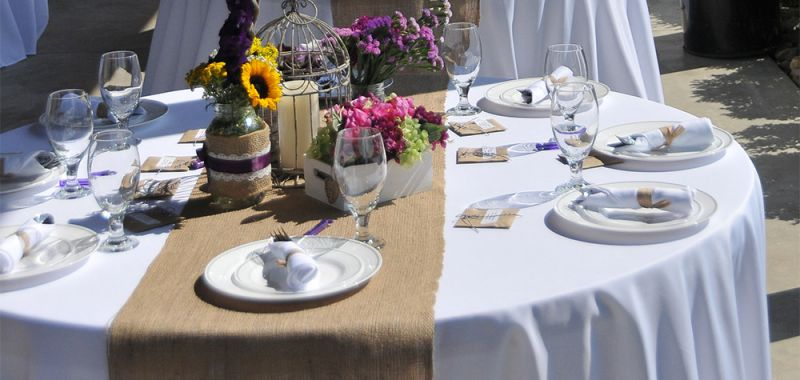 Pressed White Tablecloth with Runner